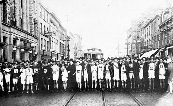 Vintage picture from 1908, via http://www.cbc.ca/strombo/news/around-the-bay-race-120th