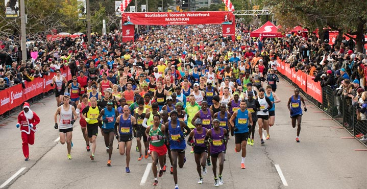Starting line of Toronto Waterfront Marathon