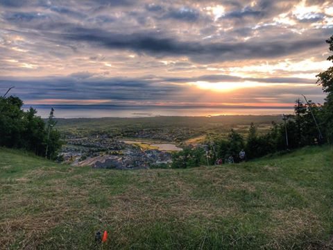 On the course looking down from above over Blue Mountain village. Image source The North face Endurance Challenge Facebook feed